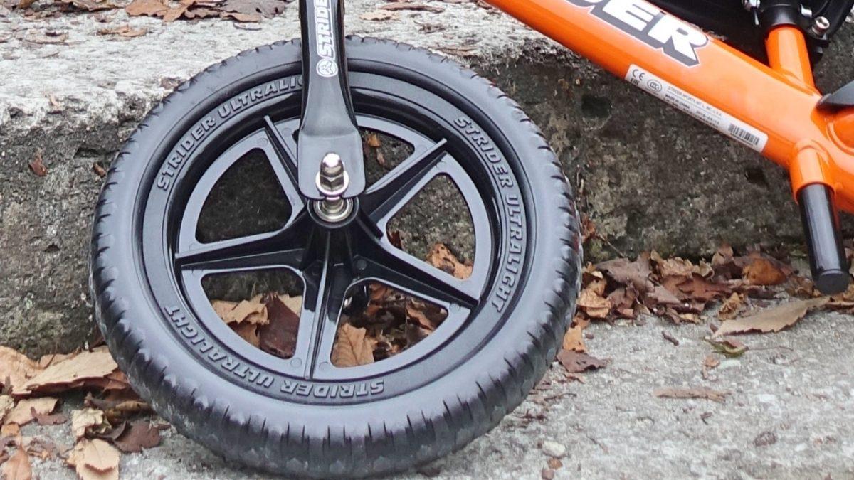 ストライダースポーツモデル プラスチックホイール&EVAタイヤ