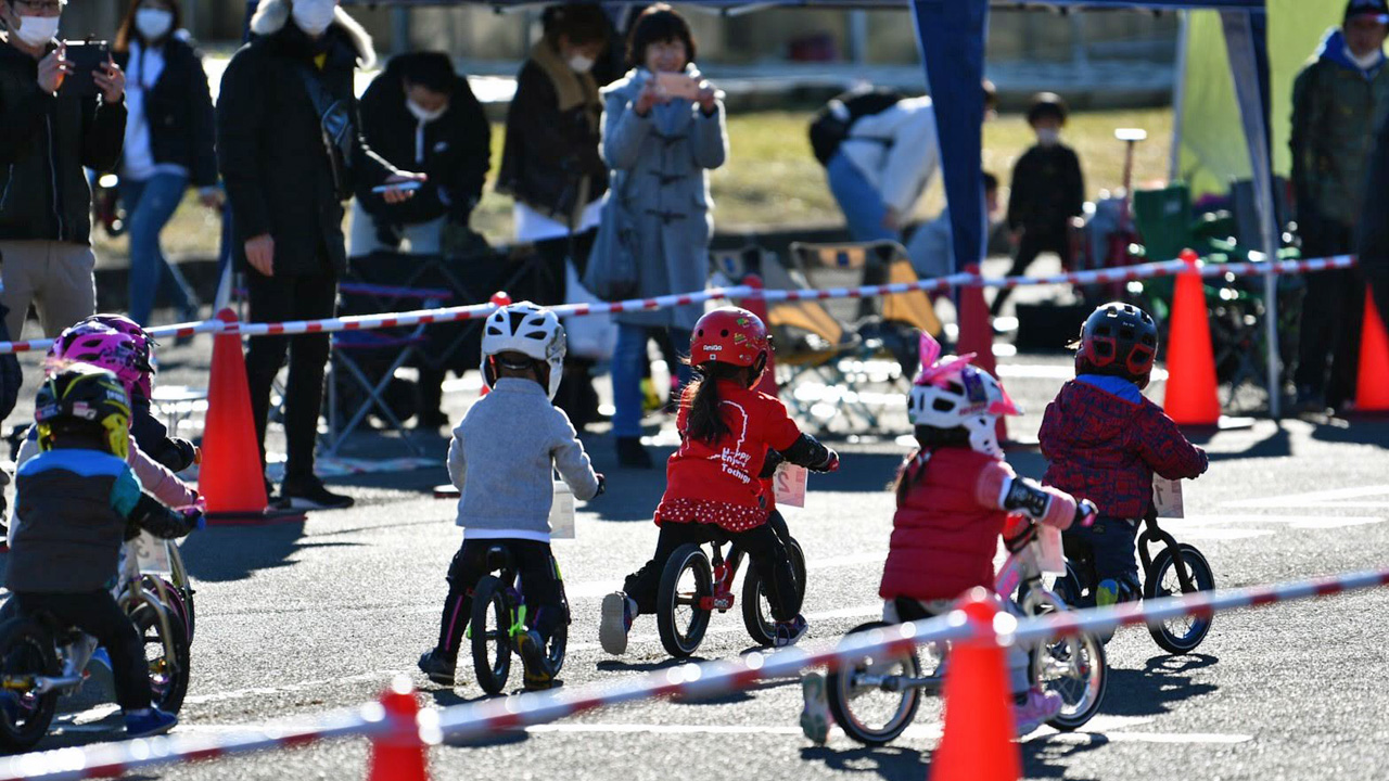 RCS全日本ランバイク選手権シリーズ2歳クラス 東京サマーランド第二駐車場